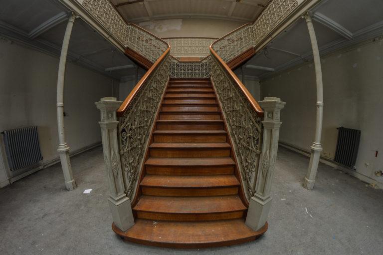 Staircasedesignsforhomesbeautifulstaircasedesigngalleryphotoskeralahome 1377081343 nh 1eefng l1b0u 0fd v 1ec1 phong th 1ee7y khi thi 1ebft k 1ebf c 1ea7u thang